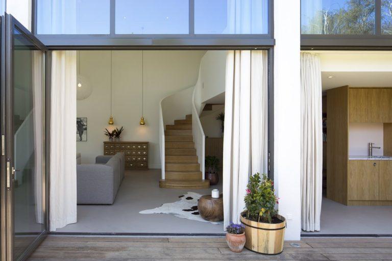Jaren villa maatwerk interieur ronde open trap