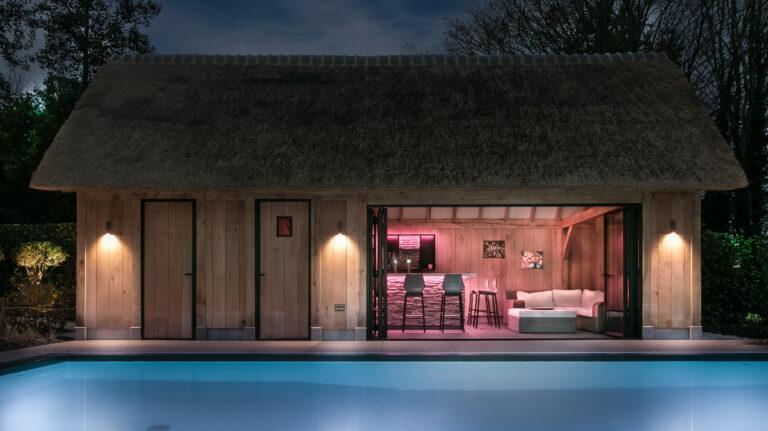 maatwerk bar in poolhouse - buitenaanzicht 2