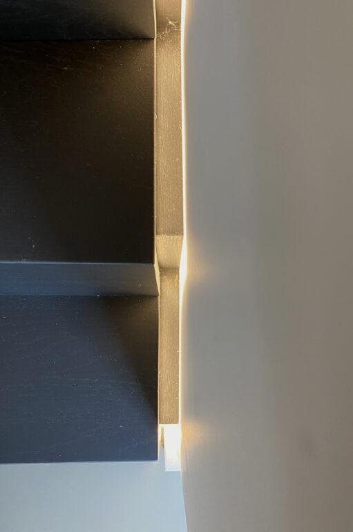 Exclusieve trap met ledverlichting detail (5)